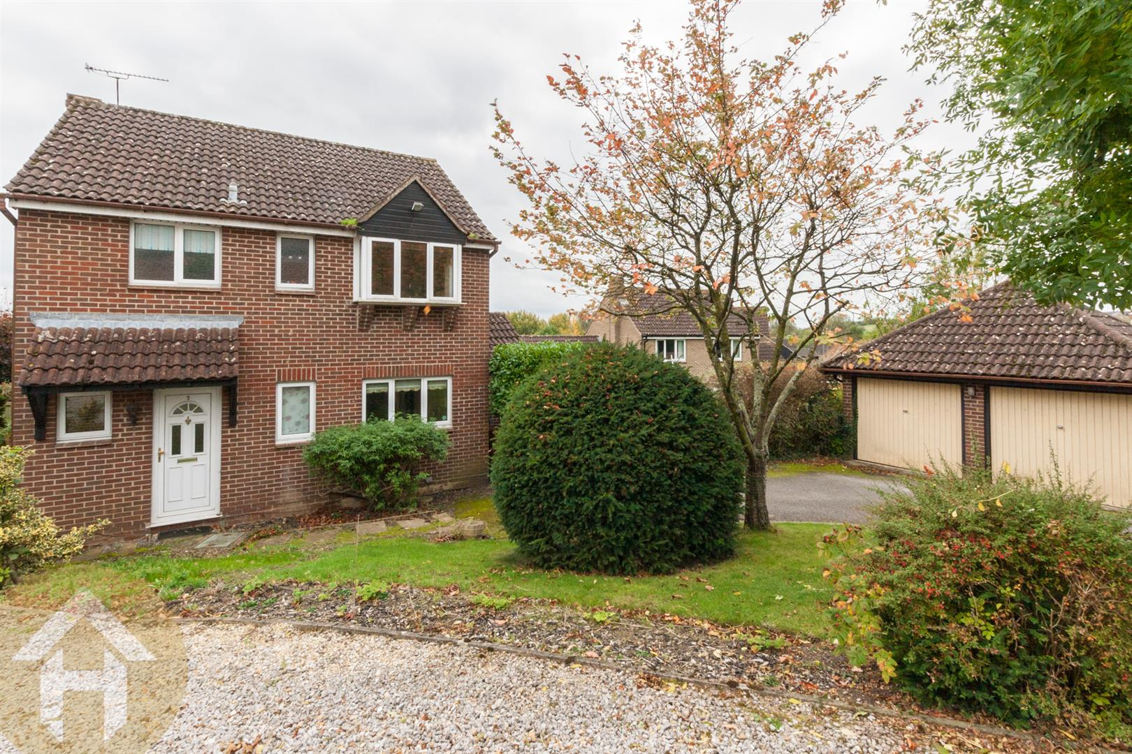 3 Bedrooms Detached House for sale in Garraways, Royal Wootton Bassett